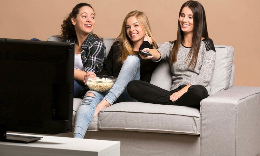 5 Teen TV Shows with Positive Messages for Girls